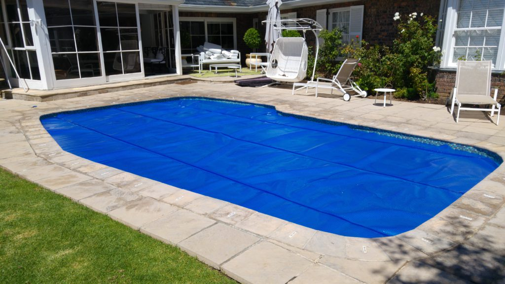 Pool covers xtreme care - Indoor swimming pool temperature regulations ...